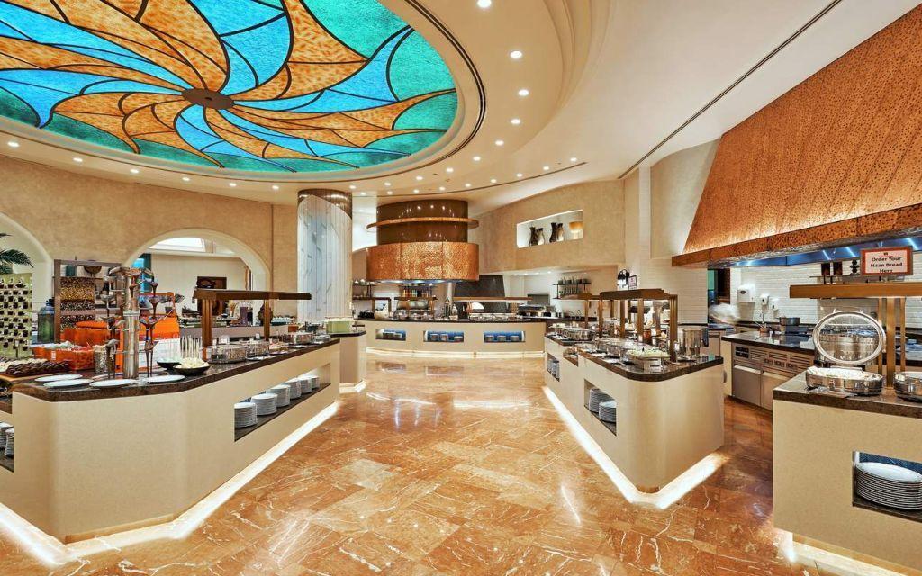 Главный ресторан-буфет отеля Atlantis — Kaleidoscope