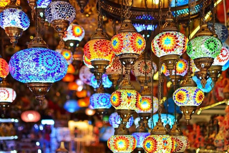 Что привезти из Турции ? турецкие украшения в подарок, сувениры, сладости, бижутерия, чай, цены, что нельзя купить и вывозить из Турции