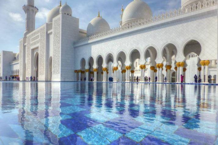 Мечеть шейха Зайда и Искусственное озеро