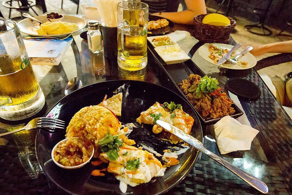 Ужин в европейской кафешке